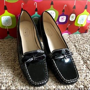 Beautiful flats by Talbots in size 61/2